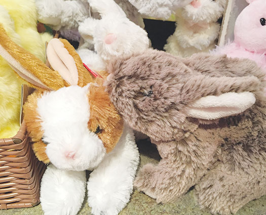 Easter kissing bunnies